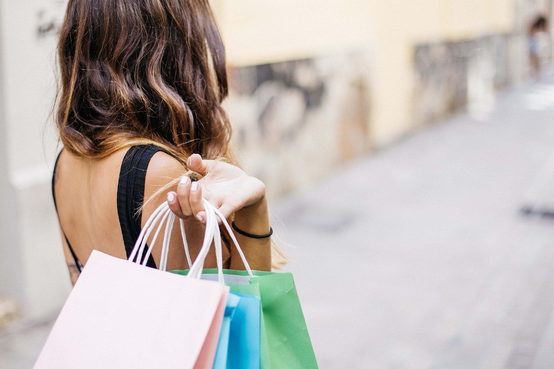 consumer spending habits picture